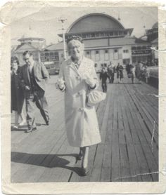 Mary Lightfoot (Osbaldeston) takes a stoll - Summer 1964 (aged Blackpool, Old Photos, Seaside, Mary, Photoshoot, History, Summer, Old Pictures, Historia