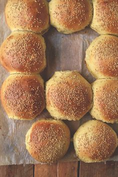 brioche burger buns die meisterklasse der burgerbr tchen backwaren pinterest brot. Black Bedroom Furniture Sets. Home Design Ideas