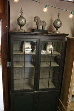 Reloved Rubbish: Graphite and French Linen China Cabinet use this graphite chalk paint on our poor busted up dresser and maybe also the night stands. Find a large floor rug with whites and linen to lighten the floor with the addition of these heavy dark pieces.