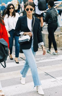 13 Coffee-Date Outfits That Will Make a Perfect First Impression Looking for some inspiration for what to wear on a first date? Here are 13 fail-safe coffee date outfits. Night Outfits, Mode Outfits, Jean Outfits, Party Outfits, Birthday Outfits, Club Outfits, Birthday Dresses, Office Outfits, Classy Outfits