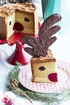 Love this rudolph cake. Sophies bakery