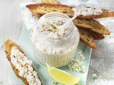 Avec les lectrices reporter de Femme Actuelle, découvrez les recettes de cuisine des internautes : Rillettes de sardines et fenouil au St Môret®