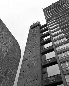 Balfron Tower – photograph by Simon Phipps