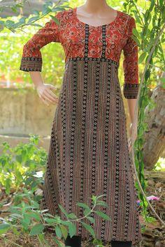Kalamkari Designs, Salwar Designs, Kurta Designs Women, Kurta Patterns, Dress Patterns, Dress Neck Designs, Blouse Designs, Kurta Neck Design, Batik Fashion