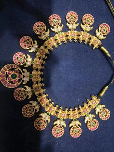 Gorgeous statement necklace South Indian Bridal Jewellery, Indian Jewellery Design, Wedding Jewelry, Jewelry Design, Designer Jewellery, Latest Jewellery, India Jewelry, Temple Jewellery, Fine Jewelry