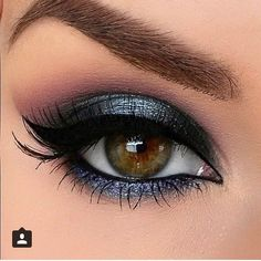 Eye makeup can complement your natural beauty and help to make you look and feel amazing. Find out the best way to apply make-up so that you can easily show off your eyes and impress. Uncover the most beneficial ideas for applying make-up to your eyes. Eye Makeup Blue, Grey Makeup, Hooded Eye Makeup, Natural Eye Makeup, Eye Makeup Tips, Makeup For Brown Eyes, Cute Makeup, Smokey Eye Makeup, Makeup Looks