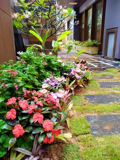 This vendor will install artificial grass for your balcony and customize design with bamboo trellis, wooden deck tiles and pebbles. Lush Garden, Balcony Garden, Terrace, Balcony Grill Design, Artificial Grass Installation, Bamboo Trellis, Wooden Decks, Decorating Blogs, Organic Gardening