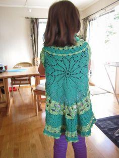 round vest with pattern