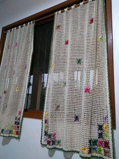 Filet Crochet, Crochet Motif, Crochet Flowers, Crochet Stitches, Knit Crochet, Crochet Patterns, Crochet Ideas, Crochet Curtain Pattern, Crochet Curtains