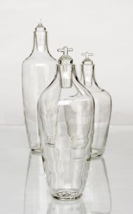I love the notion that this carafe reveals where the water comes from - the faucet - not a plastic bottle... #GlassIsLife