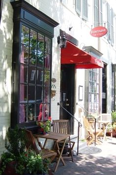 Elizabeth's favorite place for weekend brunch or a quick salad to go during the week.