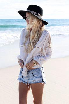 Casual Style | @uxueduarte #hat #summer #beach