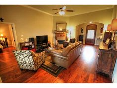 PROPERTY OF THE DAY!   NEW LISTING!   MADISONVILLE HOME    Mandeville, Slidell, Madisonville, Covington, St Tammany Louisiana Real Estate Top Agent! Sell your home with our help! Turner Real Estate Group