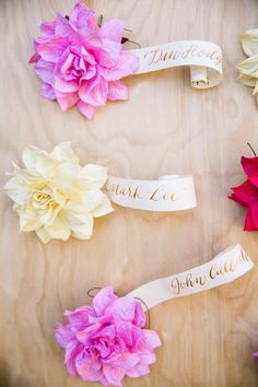 Colorful California Wedding with Vibrant Florals - MODwedding