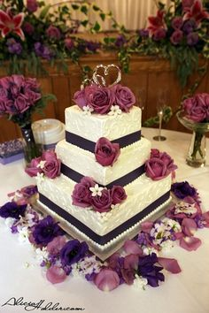 The style of wedding cake I think I want: Square with ribbon and details in the frosting
