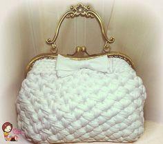 Crochet Handbags, Crochet Purses, Diy Purse Making, Crochet Panda, Crochet Bag Tutorials, Creative Bag, Yarn Bag, Handmade Purses, Knitted Bags