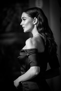 Amy Jackson Photos - This image has been digitally altered) Amy Jackson attends the EE British Academy Film Awards (BAFTA) held at Royal Albert Hall on February 2018 in London, England. Red Carpet Makeup, Red Carpet Hair, Amy Jackson, Beautiful Eye Makeup, Beautiful Eyes, Wedding Party Hair, Ball Hairstyles, British Academy Film Awards, Hair And Makeup Tips