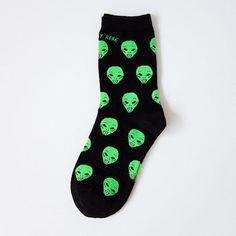 Do you believe in Aliens? #aliensocks #crazysocks #happyfeet Nylons, Calf Socks, Ankle Socks, Buy Socks, Aliens Funny, Accesorios Casual, Cotton Socks, Wool Socks, Hiphop