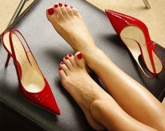 Perfect pedi perfect red styling shoes wow!