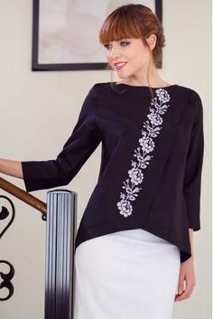 Блузка из натурального льна с вышивкой • черный • интернет магазин • vilenna • фото 1