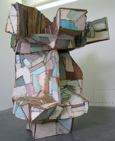 polychrome sculptures using pieces of wood, these are large scale-Pincemin, 1944-2005, Google Image Result for http://penhouet.com/pincemin3.jpg