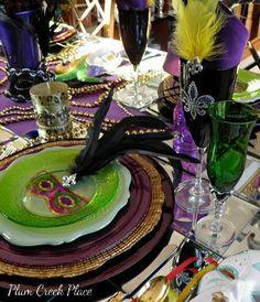 Mardi Gras 2014 tablescape at Plum Creek Place, Love, love this.