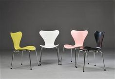 Køb stole - danske klassikere, antikke, moderne - Arne Jacobsen. Fire barnestole, 'Syveren', model 3177 (4) - DK, Herlev, Dynamovej