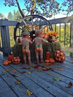 How adorable! How cute is this! for fall and Halloween baby pictures