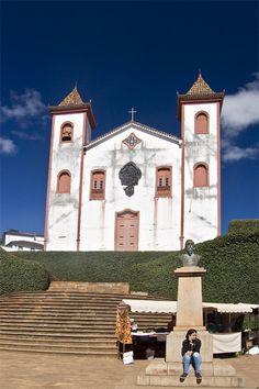 Serro - Minas Gerais Cheese, Mansions, House Styles, Interior, Home, Minas Gerais, Cities, Tools, Viajes