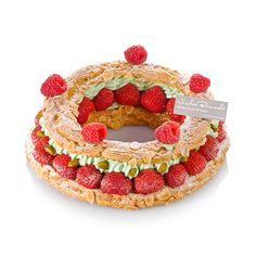 La Couronne de fruits rouges, inspirée du Paris-Brest. Nicolas Bernardé