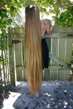 loooooooooong hair