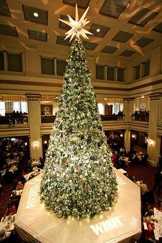 Marshall Field's Great Tree by dangaken, via Flickr A wonderful Christmas treat...tea at Marshall Fields