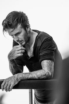 David Beckham's Hot Shirtless Body is on Display for New H&M Bodywear Collection!: Photo David Beckham's shirtless body is on full display in these brand new images for his campaign for the 2014 H&M David Beckham Autumn/Winter Bodywear Collection. Style David Beckham, Moda David Beckham, David Beckham News, Bend It Like Beckham, New Underwear, Photography Poses For Men, My Idol, Sexy Men, Hot Men