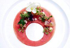SAMEDI !... Offrez un cadeau aux Pacôme ! Visions Gourmandes... Le seul ouvrage de référence sur l'art de dresser et présenter une assiette comme un chef de la gastronomie... > http://visionsgourmandes.com/?post_type=product > ou sur Amazon : http://tinyurl.com/meq7omr . Source de la photo du jour : Wuttisak Wuttiamporn . #gastronomie #gastronomy #chef #presentation #presenter #decorer #plating #recette #food #dressage #assiette #artculinaire #culinaryart #design #culinaire #Philippe…