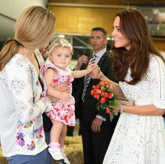 Flower power: Kate Middleton, Prince William and more British royals with blooms - HELLO! US