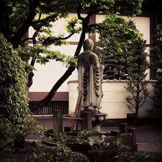 japan stone temple jizo