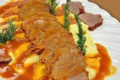 Püreli Soslu Rosto Resimli Tarifi – Et Yemekleri – Las recetas más prácticas y fáciles Food N, Good Food, Food And Drink, Yummy Food, Easy Cake Recipes, Meat Recipes, Meat Appetizers, Bbq Meat, Iftar
