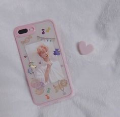 45 ideas for wall paper phone simple iphone cases Cute Cases, Cute Phone Cases, Diy Phone Case, Iphone Cases, Kpop Phone Cases, Phone Covers, Aesthetic Phone Case, Wall Paper Phone, Diy Case