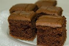 Fancy making a treat to go alongside your Bonfire Night celebrations? We have the perfect recipe for some traditional parkin loaf you might want to try. Parkin Recipes, Sweet Recipes, Cake Recipes, Dessert Recipes, Bonfire Night Food, Chocolate Peanut Butter Brownies, Sweet Pie, Gluten Free Desserts, Desert Recipes