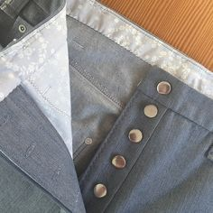 One of the sexiest details on jeans, is the classic button fly. I won't link to any steamy commercial spots here; but I will say that if you make button-fly jeans, the pure awesome of it all … Sewing Tutorials, Sewing Projects, Sewing Patterns, Sewing Tips, Sewing Alterations, Plus Size Sewing, Sewing Pants, Patterned Jeans, Fabric Glue