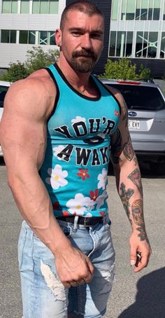 Goatee Beard, Hot Guys Eye Candy, Hunks Men, Muscle, Sexy Shirts, Guy Pictures, Male Models, Beautiful Men, Bodybuilding