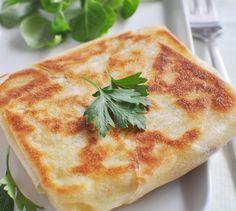 Feuille de brick au fromage - Envie de bien manger. Plus de recettes à base de Chaussée aux Moines sur www.enviedebienmanger.fr/recettes/chauss%25C3%25A9e%2520aux%2520moines