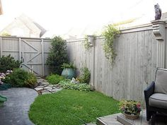 Small back yard... enhancing the fence