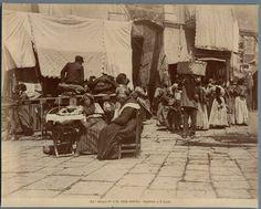 Italia, Costumi Napoli, Alinari venditori a S. Lucia    #Europe #Italia #Costumi_Types