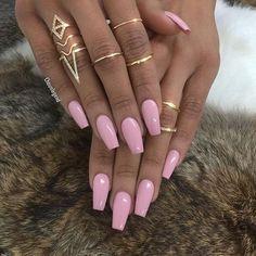 @BILLIONAILS  #nails#nail#nägel#manicure#preto#branco#naglar#nailie#maniküre#nailpolish#smalto#unha#essie#unghie#nailtech#nailie#longnails#nechty#nehty#paznokcie#almondnails#frenchnails#negler#naels#nailart#notd#glitter#nailporn#ناخن#nailaddict#nailinspo