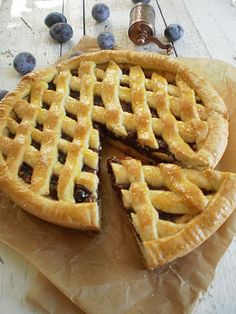 Linzer cu gem de prune si nuci Cooking Ideas, Yummy Cakes, Apple Pie, Food And Drink, Favorite Recipes, Cookies, Healthy, Desserts, Tarts