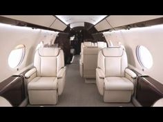 The Gulfstream G650 cabin offers design configurations for meetings, entertaining and relaxing.