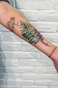 This Artist Uses Plants and Flowers to Create Unique Tattoos