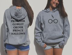 Welcome to FavoriTee! Harry potter unisex hoodie with the glasses and lightning bolt. Back+front printing! The hoodies run a little big (unisex