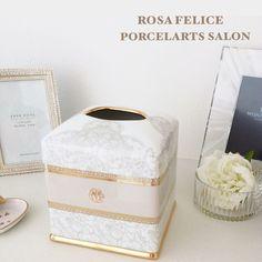 素敵なインテリアにぴったりなティッシュボックスが完成しました♡  プレゼントには最適です♡  #インテリア #ポーセラーツ #プレゼント #ギフト #ローザフェリーチェ #豊橋 #豊川 #蒲郡 #田原 #湖西 #豊田 #ボックス #浜松 #wedding  #porcelarts #gift #present #interior #豊橋ポーセラーツ